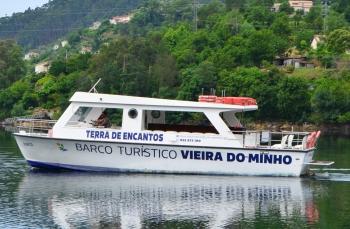 """Barco turístico de Vieira do Minho """"O Brancelhe"""" -"""